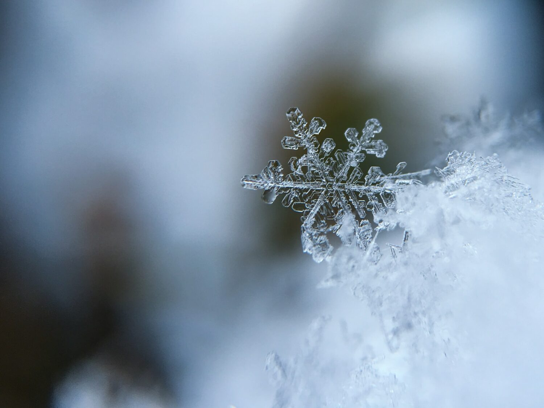 Snöflinga och frost